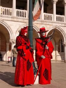 ヴィネツィア・カーニバルの仮装した人たち
